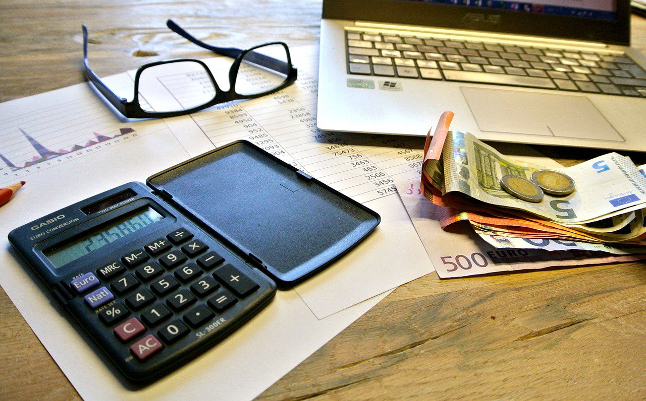 Com requerir el pagament eficaçment a un deutor?