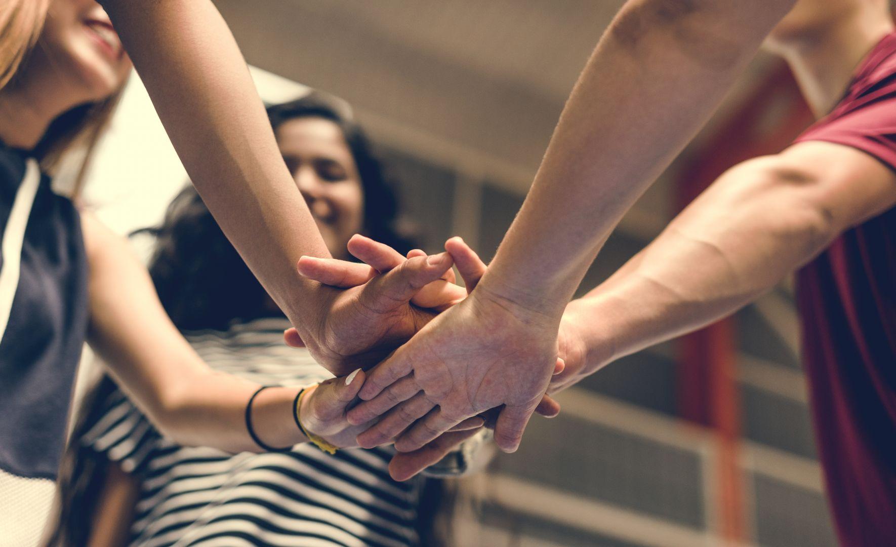 Vols crear la teva propia empresa. Has pensat en una cooperativa?